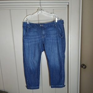 Old Navy Low Rise Diva Capris Jeans